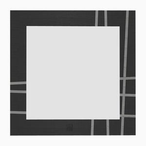 Espejo de pared Dolcevita Two con incrustaciones de fresno en gris claro y oscuro y bordes negros de Lignis