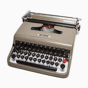 Lettera 22 Typewriter from Olivetti, 1949