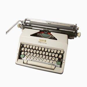 Máquina de escribir vintage de Olympia, años 60