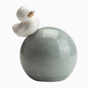 Ducky on a Ball Skulptur von StudioKahn