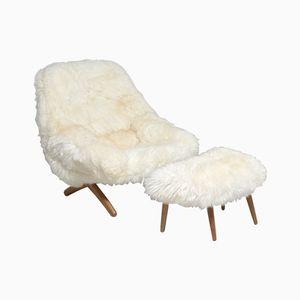 ML 91 Sessel aus Schafsfell mit Fußhocker von Illum Wikkelsø für A/S Mikael Laursen, 1950er