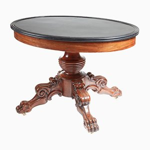 Antiker ovaler Tisch mit Marmorplatte