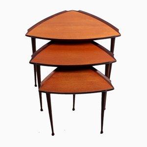 Tavolini ad incastro vintage triangolari in teak e compensato di Poul Jensen per Selig