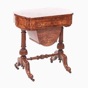 Mesa de costura victoriana de madera nudosa de nogal con incrustaciones, 1850