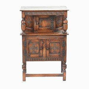 Mueble pequeño de roble tallado, década de 1900