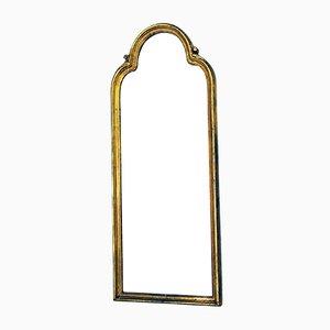 Espejo vintage con marco de madera tallada dorada