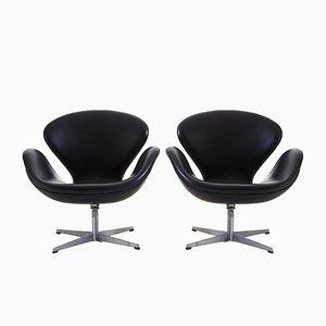 Swan Armlehnstühle von Arne Jacobsen für Fritz Hansen, 1950er, 2er Set