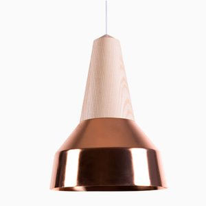 Lámpara colgante Eikon Ray de cobre y fresno de Schneid Studio