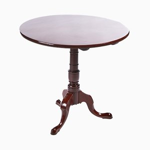 Round Georgian Mahogany Tripod Table
