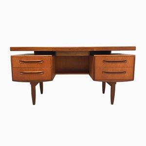 Vintage Schreibtisch aus Teak von G-Plan, 1960er