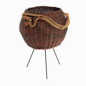 Cesto italiano de mimbre con asa de cuerda, años 50