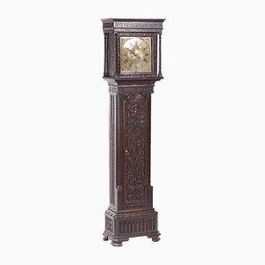 Reloj de caja alta antiguo de roble tallado y latón de H Lough