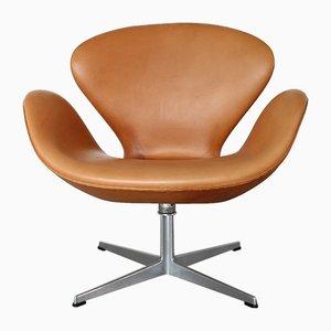 Vintage Stuhl aus cognacfarbenem Leder in Schwanen-Optik von Arne Jacobsen für Fritz Hansen