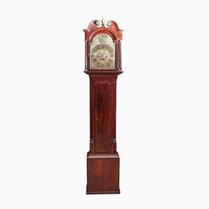 Reloj de caja alta Eight-Day de caoba con incrustaciones de latón, década de 1760