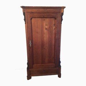 Armario antiguo de madera natural