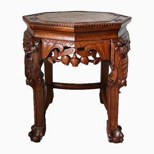 Tavolino basso in legno intagliato, fine XIX secolo