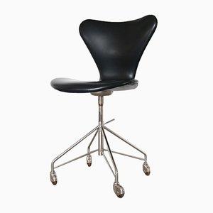 Chaise de Bureau 3117 en Vinyle Noire par Arne Jacobsen pour Fritz Hansen, 1960s