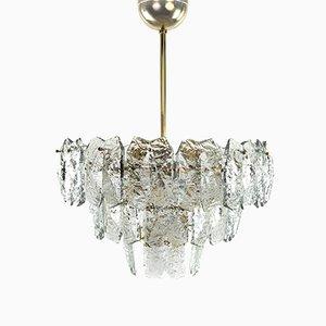 Lámpara de araña vintage de cristal y latón de J. T. Kalmar, años 60