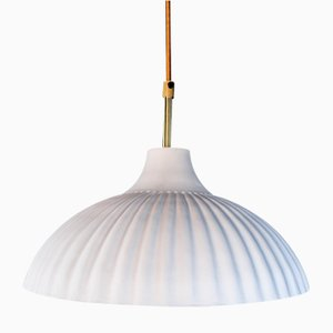 Lámpara colgante Rialto blanca con interior de oro de 24 quilates de Carmen Lyngard para Lyngard