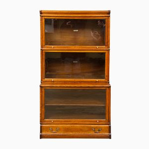 Vintage Oak Bookcase from Globe Wernicke, 1920s