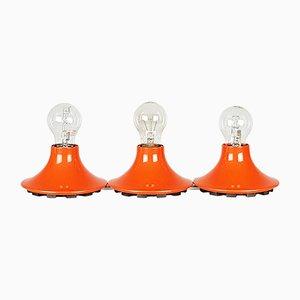 Lampada da parte o da soffitto Teti in plastica arancione di Vico Magistretti per Artemide, anni '60