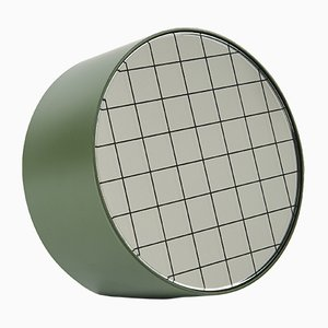 Espejo de mesa Centimetri mediano en verde oliva de Studiocharlie para Atipico