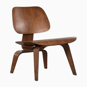Sedia LCW in noce di Charles & Ray Eames per Herman Miller, anni '50