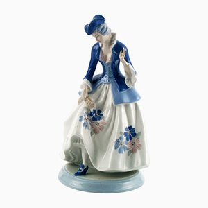 Italian Porcelain Tall Dama from Cacciapuoti, 1930s