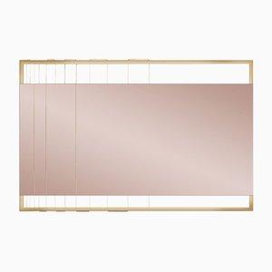 Specchio a muro AEGIS-M tinto di Ziad Alonaizy
