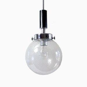 Lámpara colgante alemana Mid-Century de vidrio, cuero sintético y metal cromado, años 70