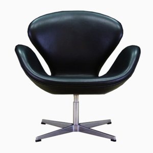 Vintage Leather Swan Chair by Arne Jacobsen for Fritz Hansen, 1982