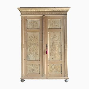 Antike Garderobe aus Pinienholz