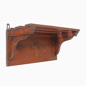 Estantería tirolesa antigua pequeña de nogal tallada a mano
