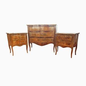Cassettiera antica in legno di noce con due comodini, fine XIX secolo
