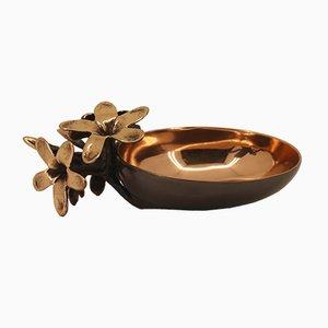 Handgefertigte Schale oder Vide-Poche aus Bronzeguss mit Blumen von Alguacil & Perkoff Ltd, 2018