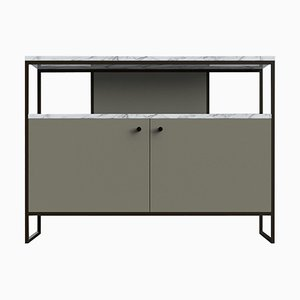 Mueble para el televisor de acero, cuero y mármol de Casa Botelho