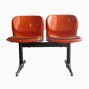Flughafenstühle aus Plastik mit Stahlgestell, 1970er