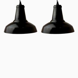 Lámpara colgante industrial vintage negra, años 50. Juego de 2