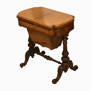 Antiker viktorianischer Spieltisch aus Nussholz & Palisander