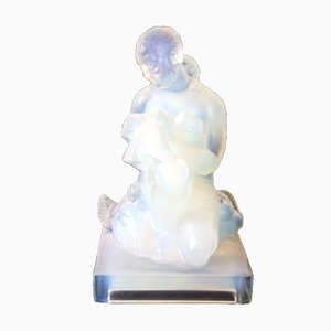 Vintage Glasskulptur einer Dame mit Taube von Sabino