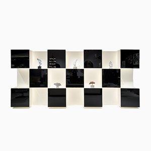 Librería ajedrezada de madera lacada de Acerbis, años 70