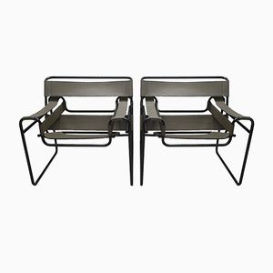 Wassily B3 Chairs with Black Frame by Marcel Breuer for Gavina, 1960s, Set of 2