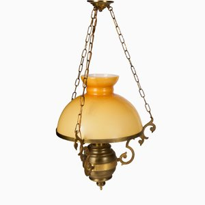 Italienische Deckenlampe aus gelbem Opalglas & dunklem Metall, 1980er