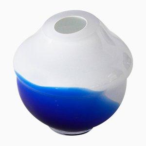 Volcano Vase in Blau & Weiß von Alissa Volchkova