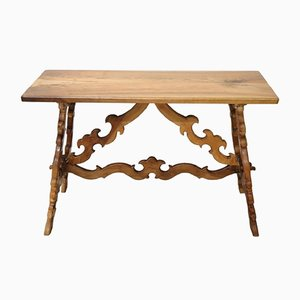 Table Antique en Noyer Sculpté, 1880s