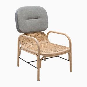 Plus Armlehnstuhl aus Rattan mit Gabriel-Kissen mit Stoffbezug in Mood-Grau von AC/AL Studio für ORCHID EDITION