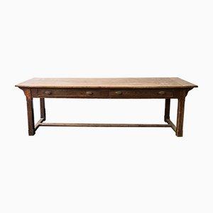 Rustikaler antiker Tisch