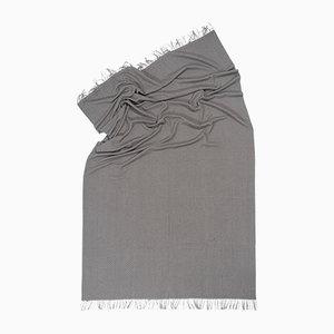 Calm Deep Splendor Decke mit Fischgrätenmuster von Catharina Mende
