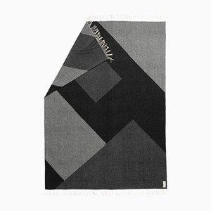 Graue Geometric Gaze Decke mit geometrischem Muster von Catharina Mende