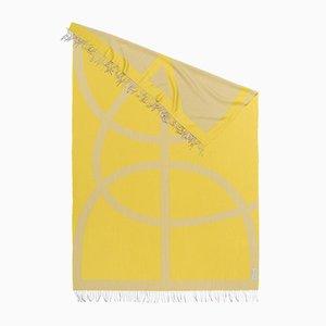 Gelbes organisch geformtes x Light Companion Tuch von Catharina Mende